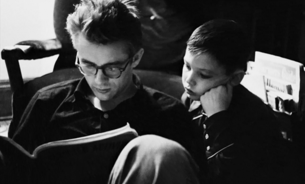 james-dean-with-a-young-cousin-dennis-stock1