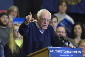epa05148581 Democratic presidential candidate Bernie Sanders campaigns at Great Bay Community College in Portsmouth, New Hampshire, USA, 07 February 2016. The New Hampshire primary will be held on 09 February 2016. EPA/MICHAEL REYNOLDS
