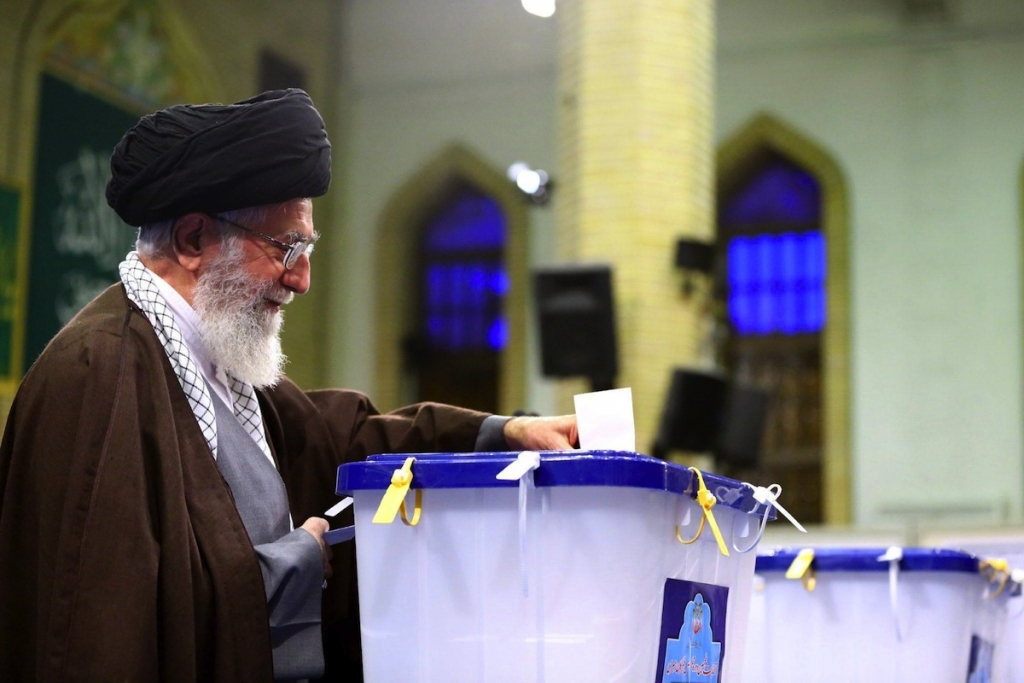 epa05181320 A handout picture made available by Iran's Supreme Leader Official Website shows Iranian supreme leader Ayatollah Ali Khamenei casting his vote in the parliamentary and Experts Assembly elections in Tehran, Iran, 26 February 2016. Nearly 55 million voters will elect on 26 February the representatives out of 6,229 candidates competing for 290 parliamentary seats, in addition to choosing 88 members out of 161 clerics for the Assembly of Experts, the body responsible for electing a new supreme leader in case the post becomes vacant.  EPA/IRAN SUPREME LEADER OFFICIAL WEBSITE  HANDOUT EDITORIAL USE ONLY/NO SALES