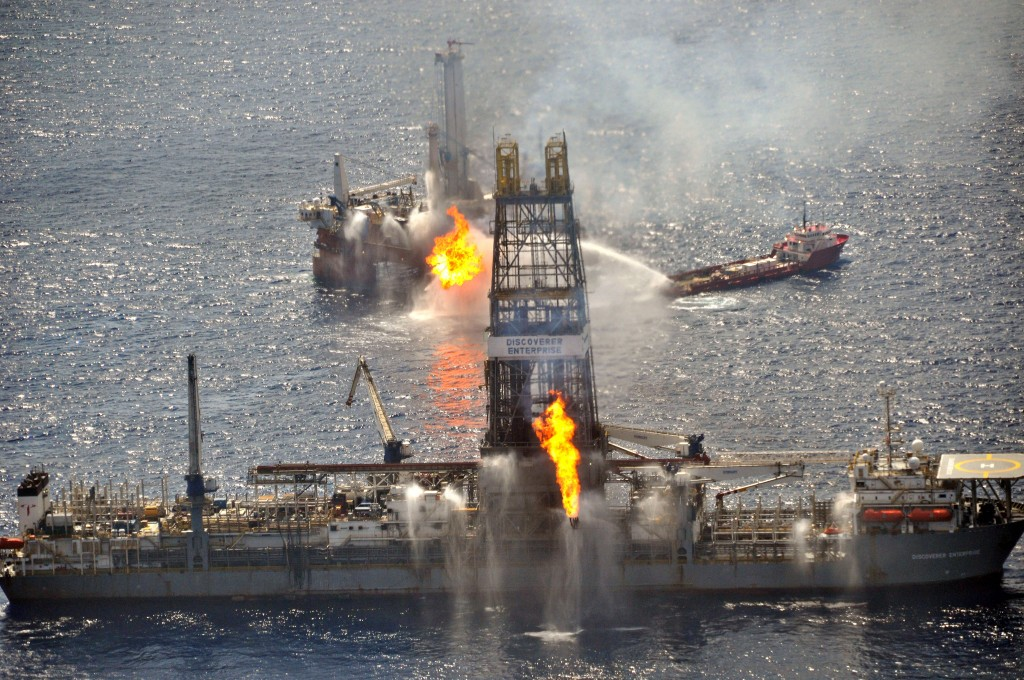 June 26, 2010 - Gulf Of Mexico, LA, United States of America - The drill ship Discoverer Enterprise and Q4000 burn off gas from the uncapped Deepwater Horizon wellhead as clean up continues in the largest oil disaster in history June 26, 2010 in the Gulf of Mexico. (Credit Image: © Sgt. Casey Ware/Planet Pix via ZUMA Wire)